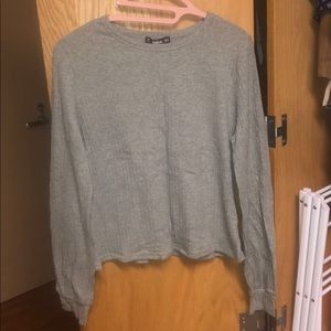 grey cropped long sleeve